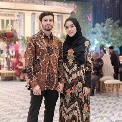 12 Inspirasi Model Gamis Batik Kombinasi Gotomalls